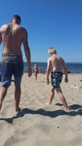 Vår semester i Skåne - Daniel, Lukas och Josefin på stranden i Magnarp utanför Ängelholm