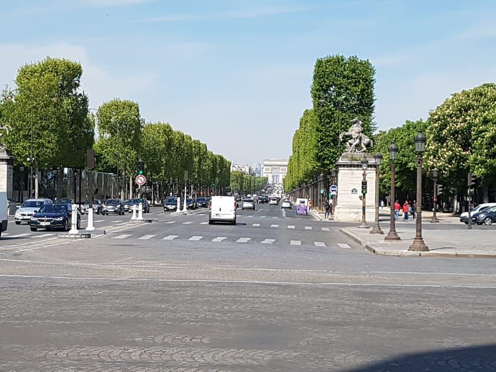 Semester och bröllopsdag i Paris