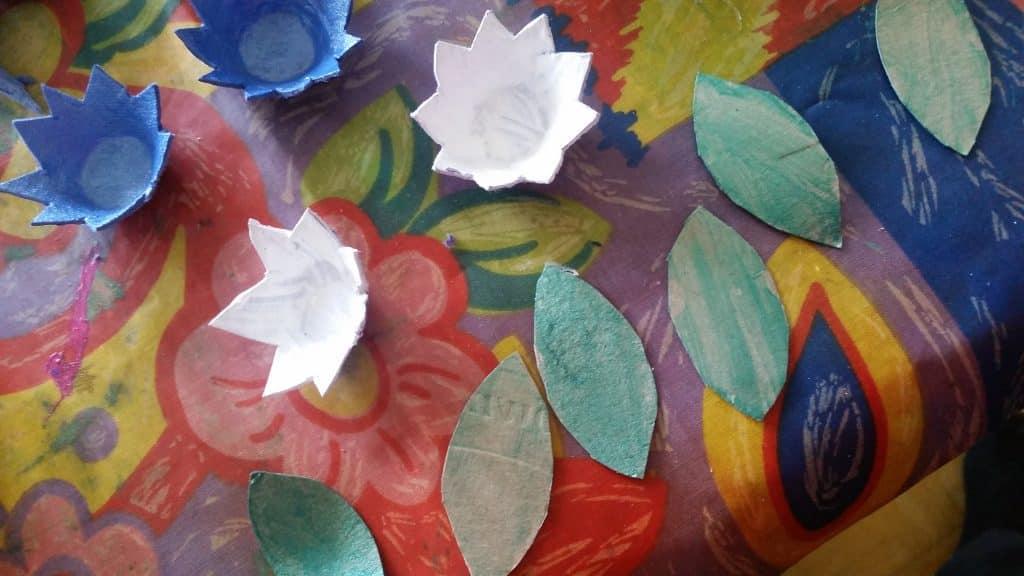Pyssel Midsommarkrans, blommorna målade